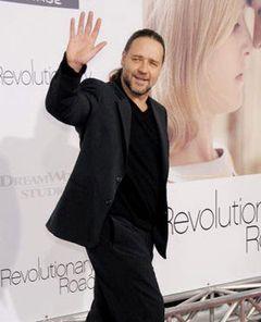 ラッセル・クロウ主演、リドリー・スコット監督によるロビン・フッド映画のノッティンガムの代官役が決定