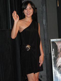 「LOST」の美人韓国女優キム・ユンジン来日!「下着はパッドというか…」