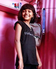 『スラムドッグ$ミリオネア』のルビナ・アリちゃん、9歳で自伝を出版