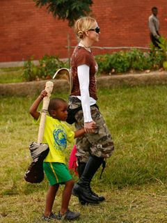 マドンナ、2人目の養子縁組成立 マラウイの4歳女児