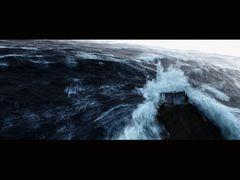 2012年12月21日地球終末説の序章は皆既日食?エメリッヒの超大作『2012』日食の22日に披露