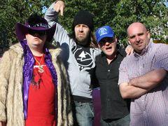 イギリスの人気バンド、アークティック・モンキーズ出演の超低予算映画が完成