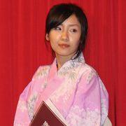 ベッドシーンでIカップバストを披露!神楽坂恵、しっとり色気の浴衣姿でも観客魅了