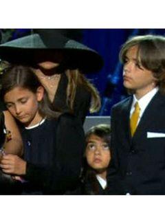 故マイケルさんの子どもたちが精神カウンセリングを受けていると姉ラトーヤが明かす