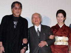 91歳、木村威夫監督、舞台あいさつにつえを忘れる元気ぶり!「来年夏に新作撮る」宣言!!