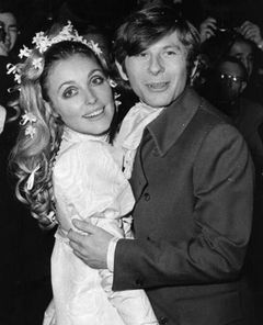 ロマン・ポランスキー監督、カルト集団に殺された妻とのヌード写真がオークションへ!