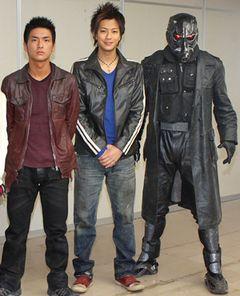 全国の佐藤さん、今度は戦争です!石田卓也と三浦翔平が『リアル鬼ごっこ2』撮影現場で大暴れ!