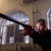 何と4分間強のワンカット撮影に、12時間を注いだ復讐アクションの傑作『狼の死刑宣告』