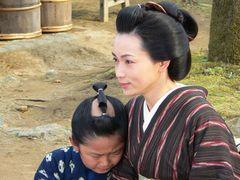 長谷川京子、本格的時代劇で加藤清史郎の母親役!さすがのこども侍もハセキョーを「とってもきれい」