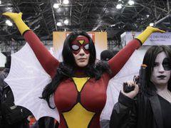 「スパイダーウーマン」が映画化!?フェロモンで男を操るセクシーヒロインにヴァネッサ・ハジェンズが?
