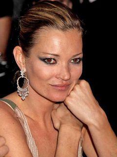妊娠したいケイト・モス、催眠術で禁煙禁酒にチャレンジ
