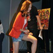 脚ながっ!小嶺麗奈、B級臭ぷんぷんのアクション映画でドSな悪役キャラで新境地