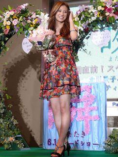 北川景子、美脚キラキラ!「真実の愛を誓います」と堂々宣言!