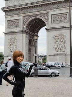 映画『GANTZ』、フランスに上陸!岸本恵役の夏菜GANTZスーツを世界に披露!