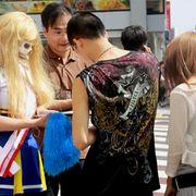 明日の参院選を控えた渋谷にゾンビが登場!!故マイケル・ジャクソンさんもゾンビが大好き!?と支持訴える