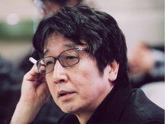 つかこうへいさん、肺がんで死去 『蒲田行進曲』平田満「あまりにも早いお別れにショック」