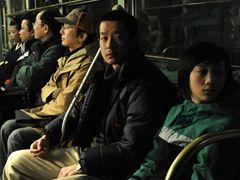 加瀬亮が初の父親役!函館から生まれた映画『海炭市叙景』完成