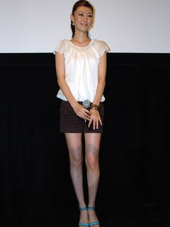 田丸麻紀、セクシーシーンに初挑戦!「グラビアを見て研究しました」ミニスカでアクションも