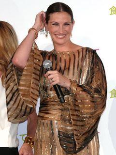 ジュリア・ロバーツ、日本のファンに「カラオケ行かない?」ドレスも日本をイメージしてチョイス!