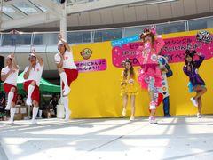 はんにゃ金田のギャルユニットCD発売記念イベントに1万人が集結する大盛況!