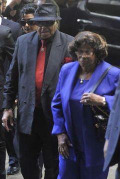 マイケル・ジャクソンさんの両親、結婚60年にして離婚へ!キャサリンが離婚申請へ