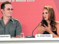 ナタリー・ポートマンが体当たり演技に挑んだ新作『ブラック・スワン』にヴェネチアが沸く!