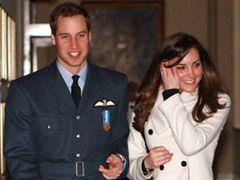 ウィリアム王子、来年8月にも結婚?!