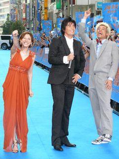『海猿』新宿ジャックに5,000人が熱狂!セクシードレスで輝く加藤あいも「胸いっぱい!」と大興奮!!