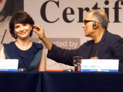『トスカーナの贋作』ジュリエット・ビノシュ、監督と男女の関係になるところを寸止め?