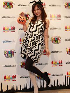 熊田曜子、仕事か家庭かで悩むお年頃?ハロウィンはかぼちゃお化けでキュートにエンジョイ!