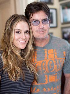 離婚手続き中のチャーリー・シーンの妻ブルック、またリハビリ施設に入所