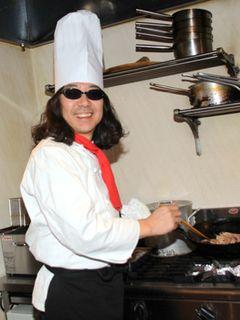 料理童貞でも海老蔵に「イカのしょうが焼き」作ってあげたい!みうらじゅん、52年間一回も料理したことなし!
