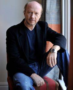 『007』シリーズの脚本家ポール・ハギスが、宗教団体サイエントロジーの暴露本を出版予定!