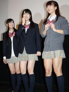 AKB48倉持明日香、斎藤佑樹投手にトキメキ!?極ミニ制服姿で「すごくいいにおいがしました」