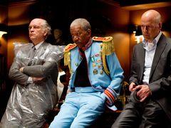 ブルース・ウィリス、大暴れ映画『RED/レッド』での出来事を激白!「5分ごとに大スターが登場するよ!」