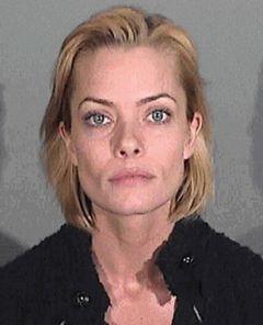 離婚申請中のジェイミー・プレスリー 酒気帯び運転で正式起訴