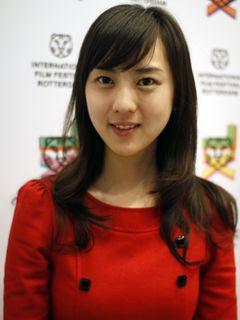 超美人プロデューサーは主演女優!26歳・杉野希妃、手掛けた『歓待』に高い評価!海外オファーも殺到中