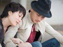 高良健吾と鈴木杏の濃厚キスシーン公開!涙ながらの純愛描く『軽蔑』!鈴木の妖艶なポールダンスシーンも!