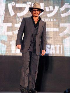 ジョニー・デップが、メキシコの革命家パンチョ・ビリャ役を降板!代役は、ガエルかベニチオか?