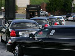 エリザベス・テイラーさんの遺言 葬儀15分遅れで開始 生前「葬儀に遅刻しないように」