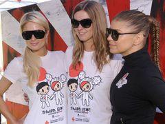 ファーギー、パリス・ヒルトンら「がんばれ 日本!」のTシャツを着て日本の震災復興支援マラソンに参加