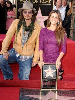 ジョニー・デップが祝辞 ペネロペ・クルスのハリウッド殿堂入り式典に夫バルデムやブラッカイマーの姿も
