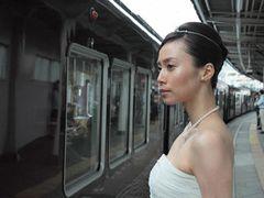 10人に1人が電車内で一目ぼれ、恋愛に発展した人も!出会いは電車の中にもある「電車内での出来事に関する実態調査」