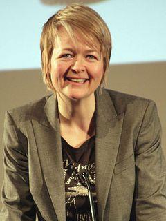 ロンドン・レズビアン&ゲイ映画祭 英BBCドラマ化常連作家 放送コードギリギリの作品を書き続ける