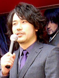 二宮和也&松山ケンイチ、被災地で公開を待つファンへの思いを語る「被災地でも公開することが僕らのできること」