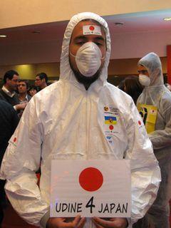 「原子力は今でも最も安全なエネルギーだ」とのイタリア首相発言に反発!映画祭のオープニングセレモニーに反原発デモが乱入