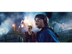 21世紀に『E.T.』の感動再び!スピルバーグ&J・J・エイブラムスの『スーパーエイト』の極秘映像公開