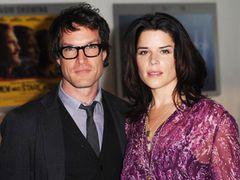 『スクリーム』ネーヴ・キャンベル、正式に離婚が成立 結婚から4年目