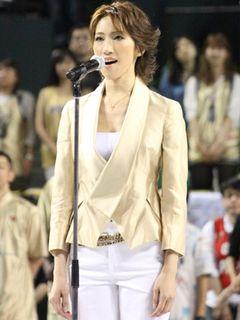 元・宝塚トップスターの水夏希、国歌独唱とともに被災地へメッセージ「今こそ日本の皆さまに、元気になってもらいたい」