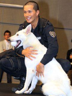 市原隼人、バディー犬との深い絆に、役者としての原点に気付いた!『DOG×POLICE』がクランクアップ!